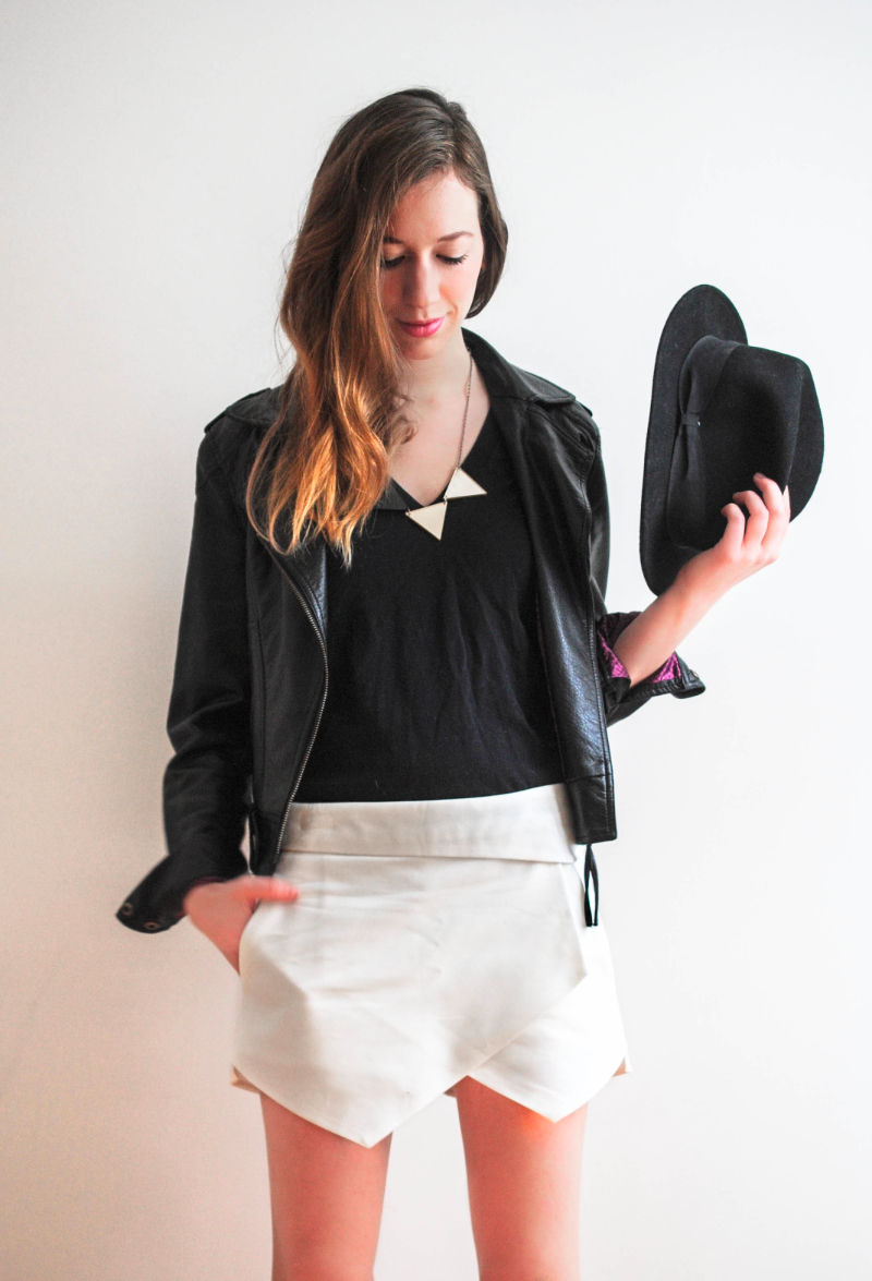 black and white outfit post