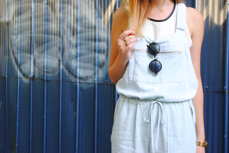 aritzia dungarees and round sunglasses