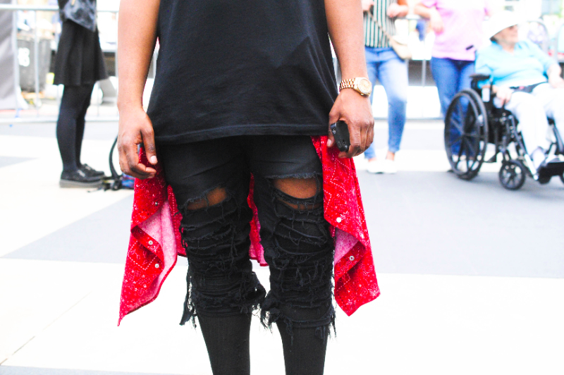mbfw streetstyle ripped jeans