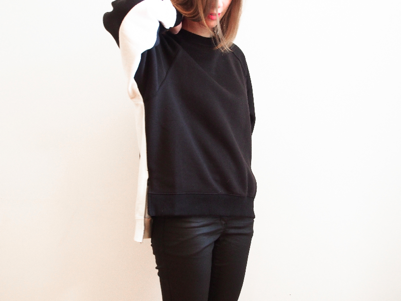 black and white frontrowshop crewneck