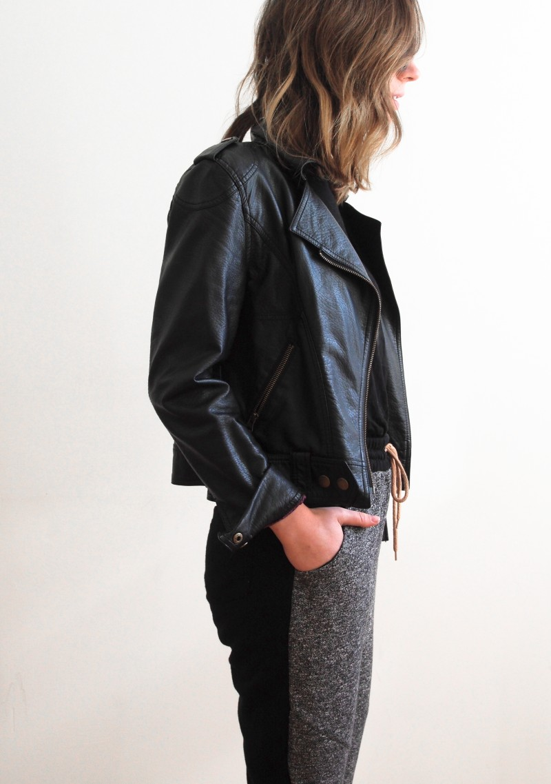 Joggings with leather outfit