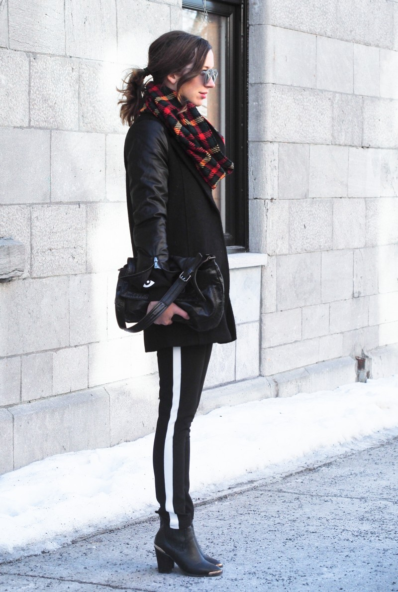Plaid scarf winter look