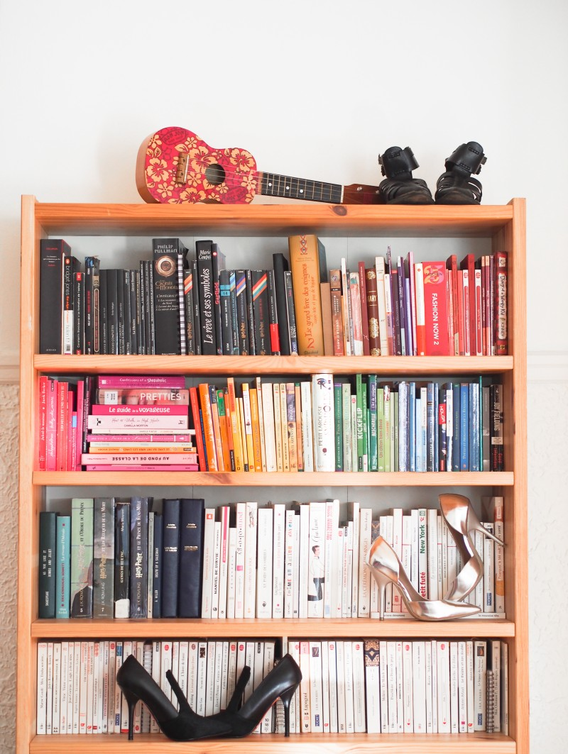 Library ordered by colour- Home inspiration