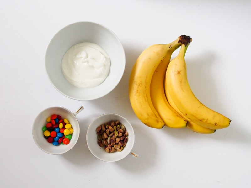 Ingredients for a DIY banana popsicle