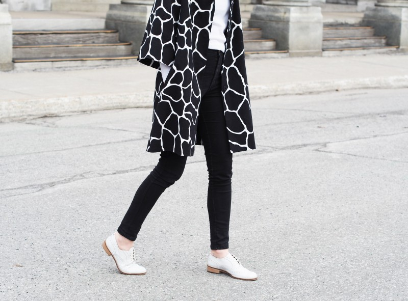 Solective white loafers. Animal print coat.
