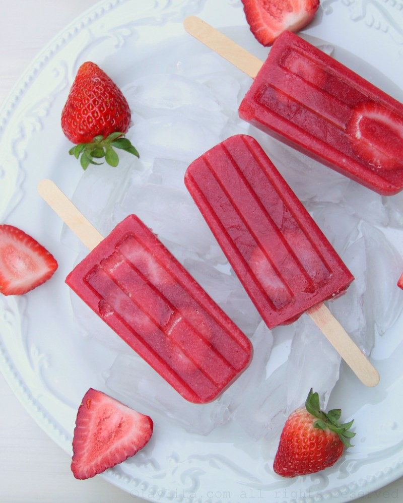 Strawberries popsicle