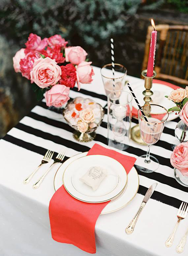Flowers to decorate table