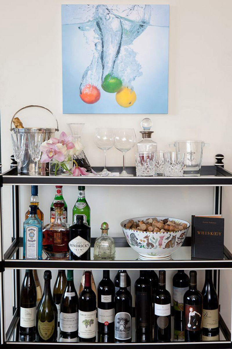 Set up a stylish mini home bar at homedentelle fleurs for How to set up a mini bar at home