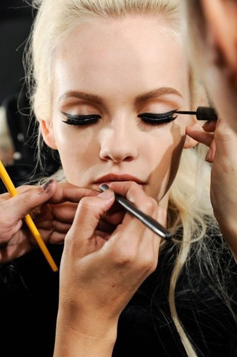 How to create a perfect cat eye effect