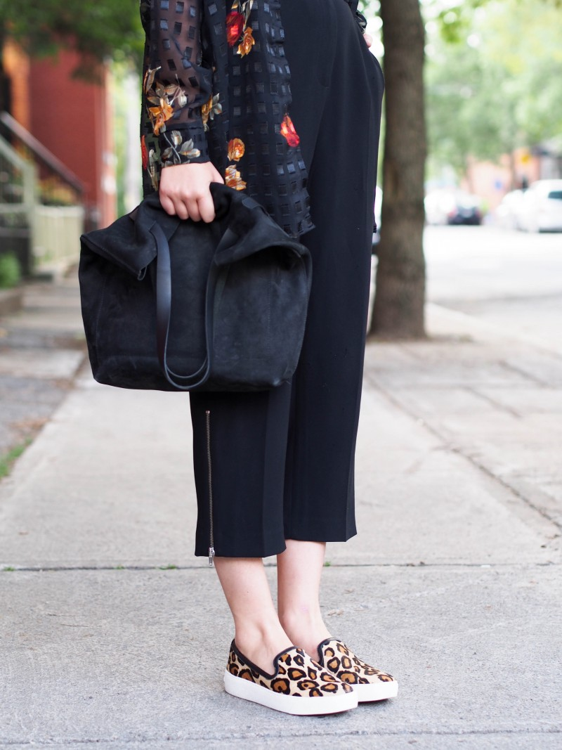 Martin Dhust bag. Aritzia pants. Sam Edelman flat becker shoes.