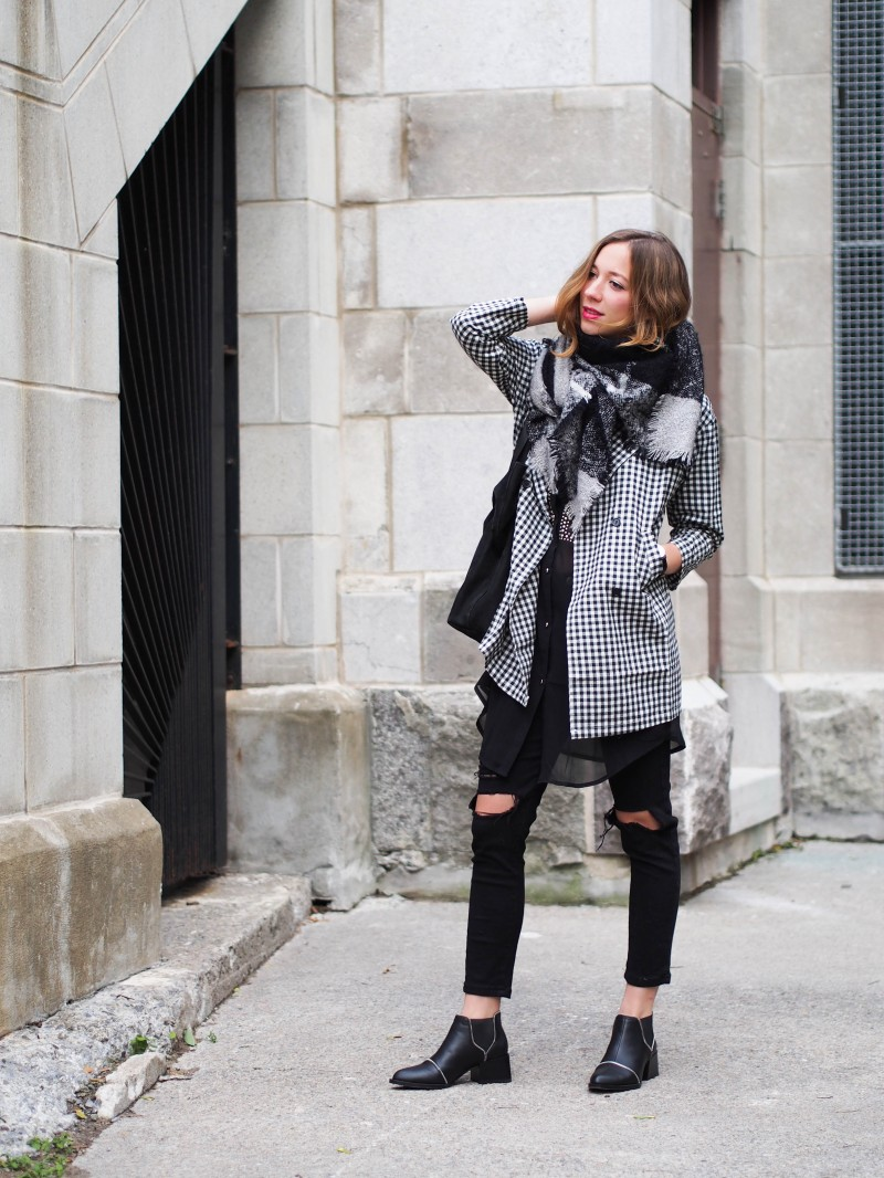 Layering for fall with a chunky scarf and senso boots