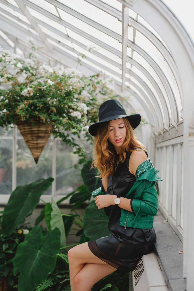 dentelleetfleurs.com outfit in greenhouse