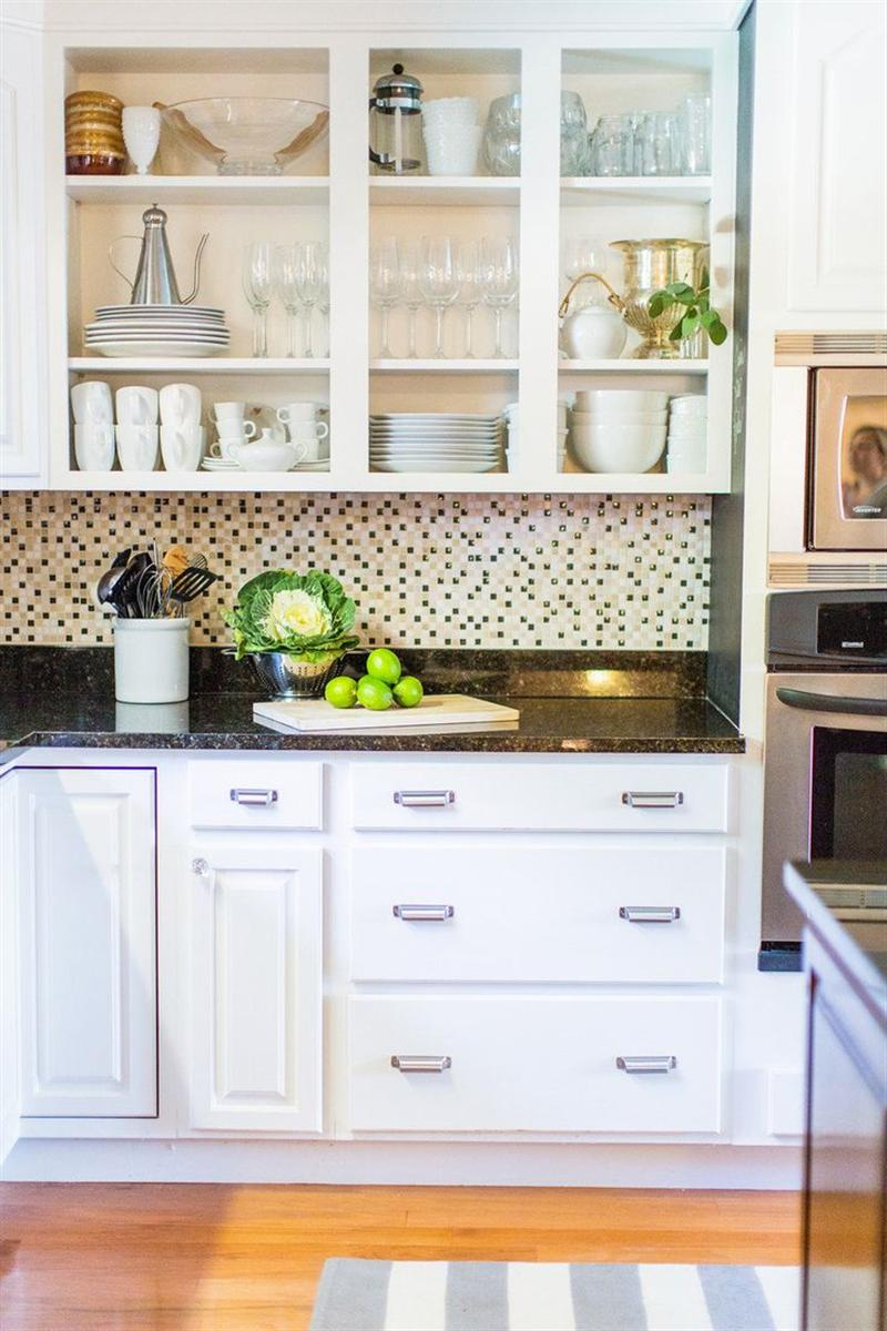 10 Kitchen Cabinet Tips: Change The Whole Look Of Your Kitchen With This Simple