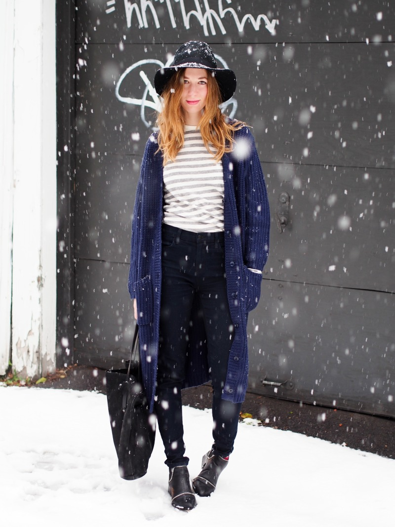 outfit in a snow storm by montreal fashion blogger dentellefleurs