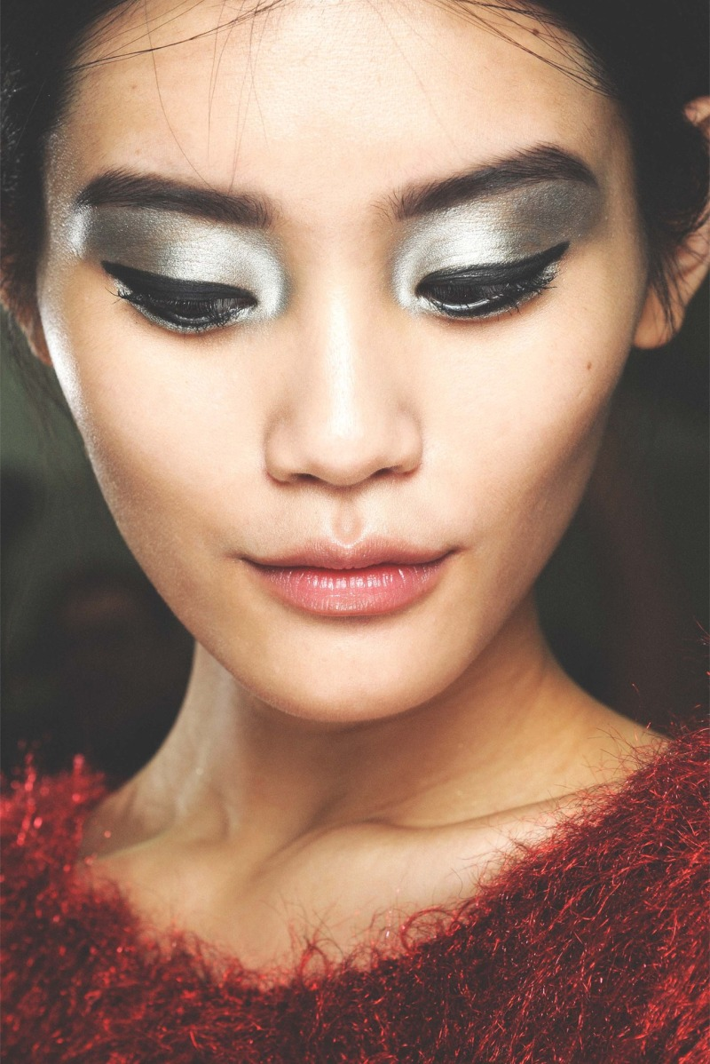 runway beauty makeup inspiration christmas holiday glitter metallic eyes