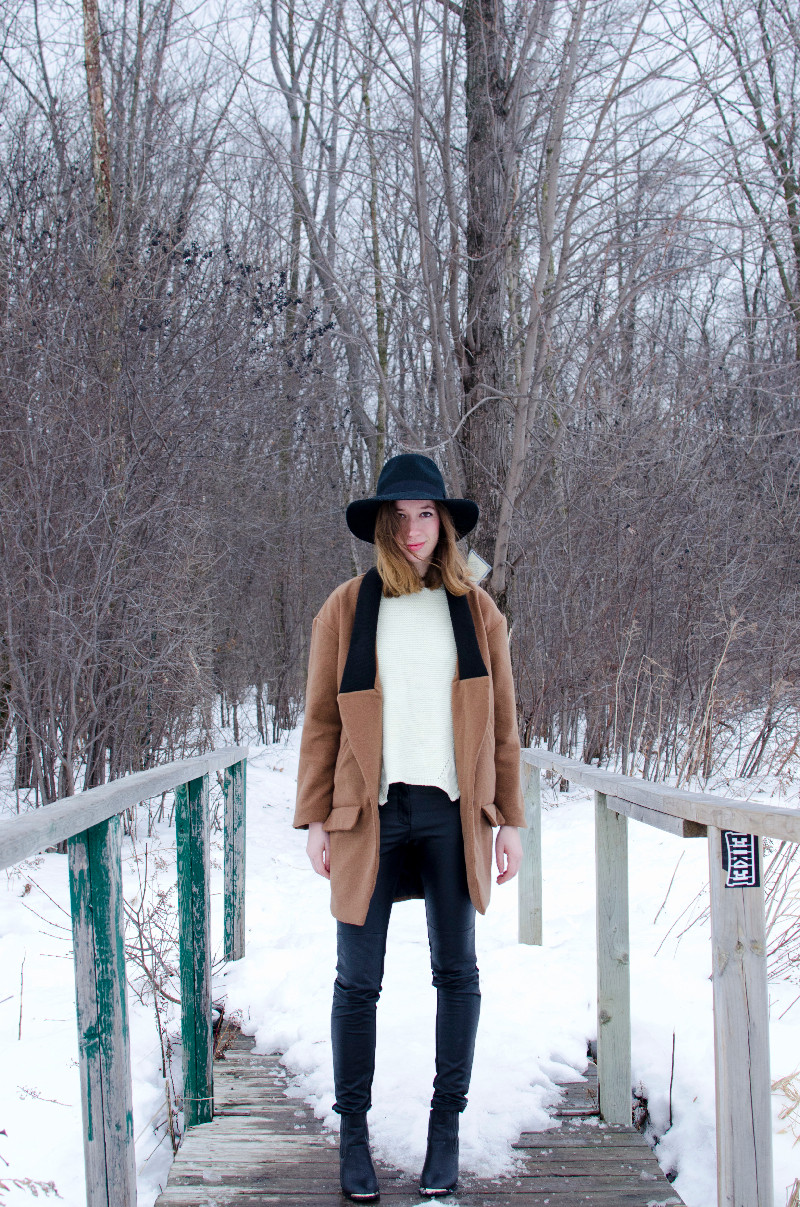 winter-outfit-post-with-hat