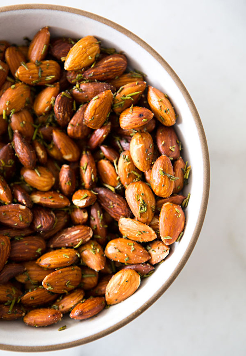 herb roasted almonds