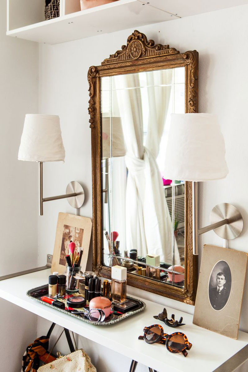 A dressing table to decorate your room