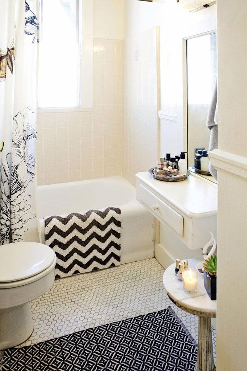 Bathroom-curtains and rugs