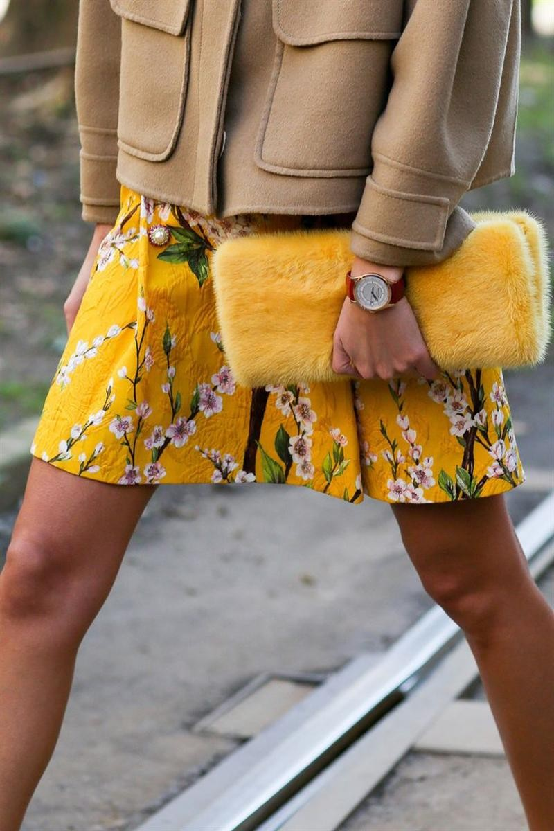 pattern skirt yellow beige fashion week spring summer idea looks accessories