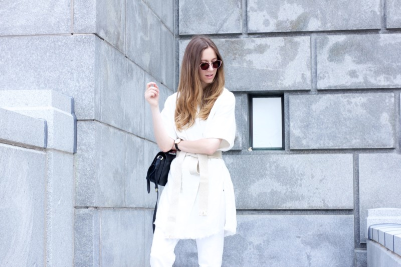 polette eyewear with all white outfit