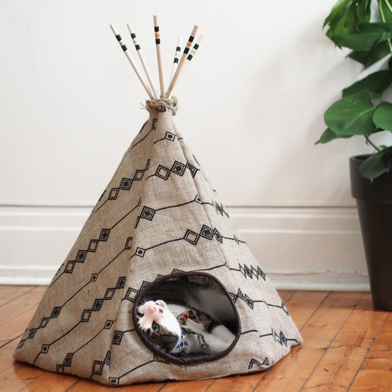 la fois o j 39 ai cr un tipi pour chat gagnez ledentelle fleurs. Black Bedroom Furniture Sets. Home Design Ideas