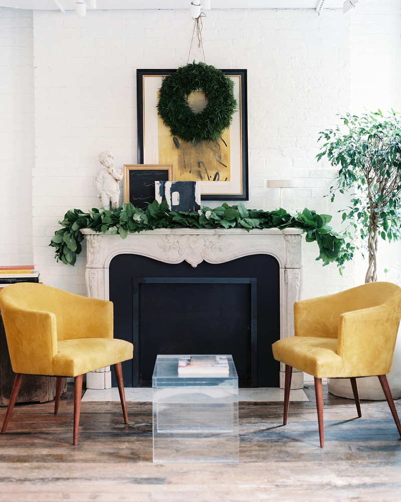 Contemporary Holiday Decor