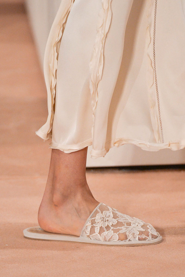slip-on lace shoes