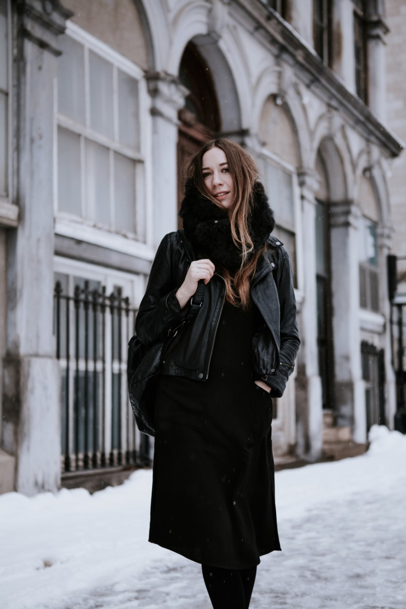 dentelleetfleurs all black outfit during winter