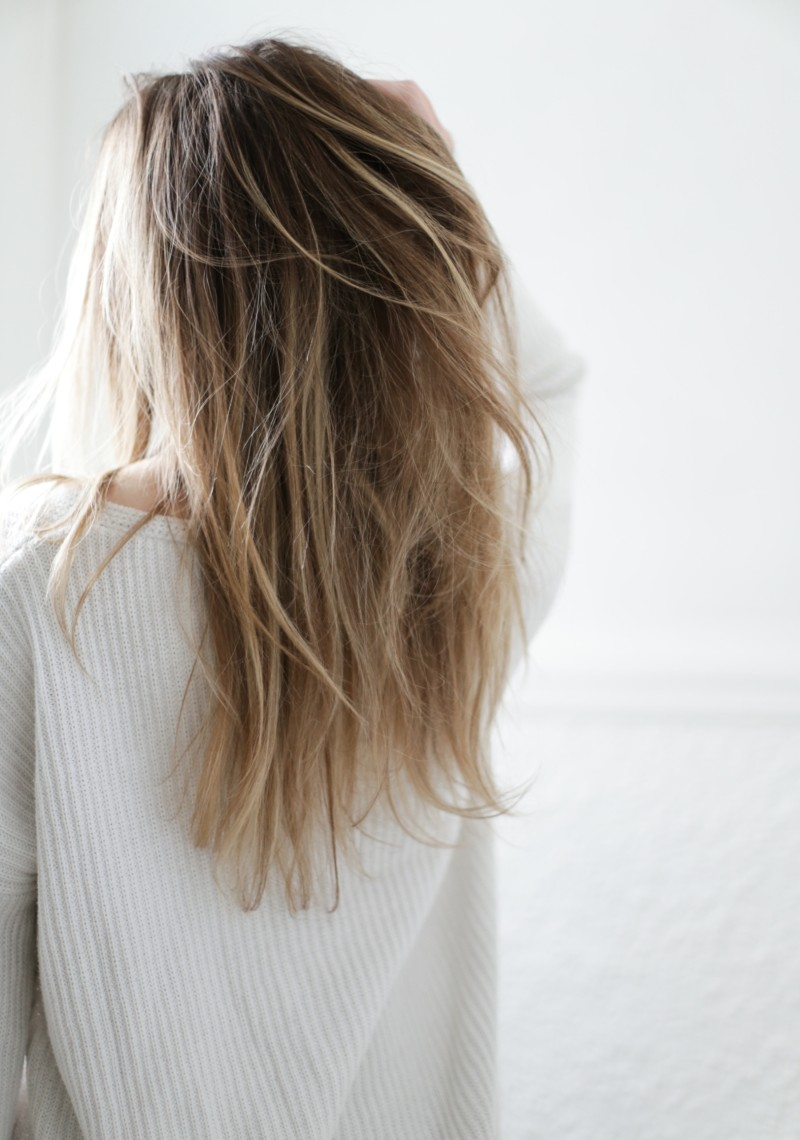 Long blond hair ombré with beauty-full volume Tresemme
