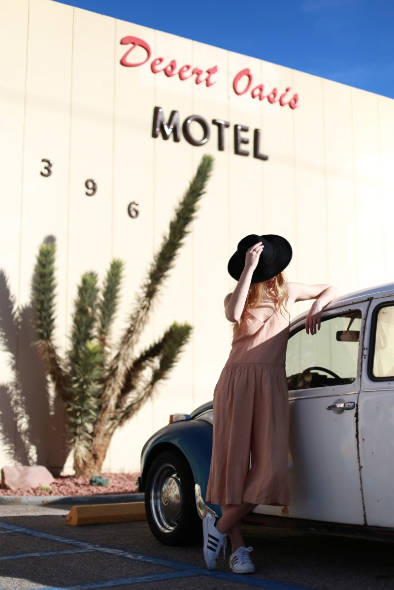 desert oasis motel fashion shoot blogger