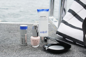 Beach essentials for a natural summerglow
