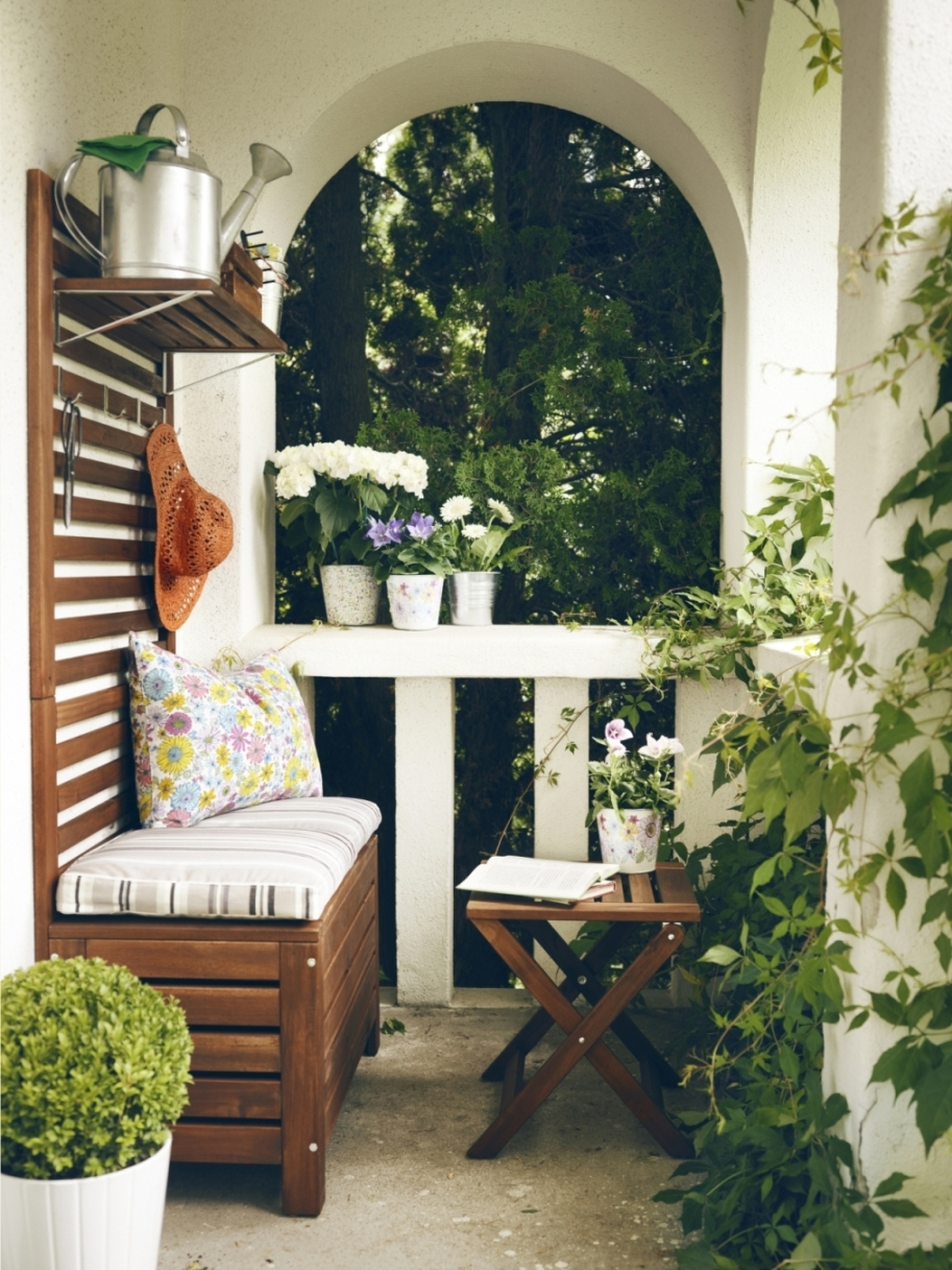 3 ways to organize your small balcony like a prodentelle - Ways enhancing balcony ...