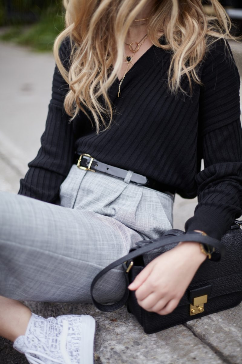 layering-necklaces-with-casual-outfit