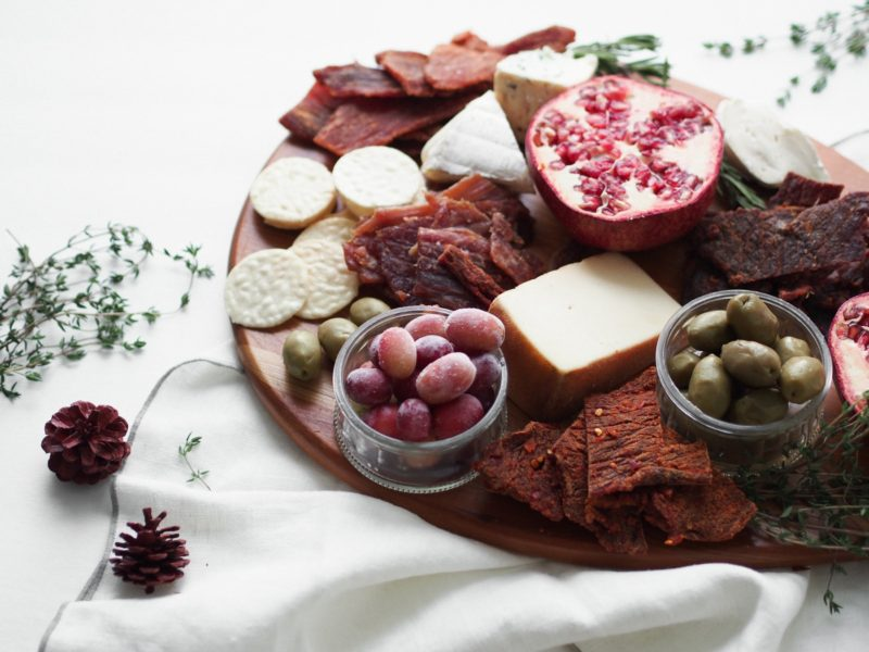 holiday-cheese-and-charcuterie-board