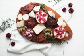 Holiday Entertaining – How to create a non-boring, yummy Charcuterie board