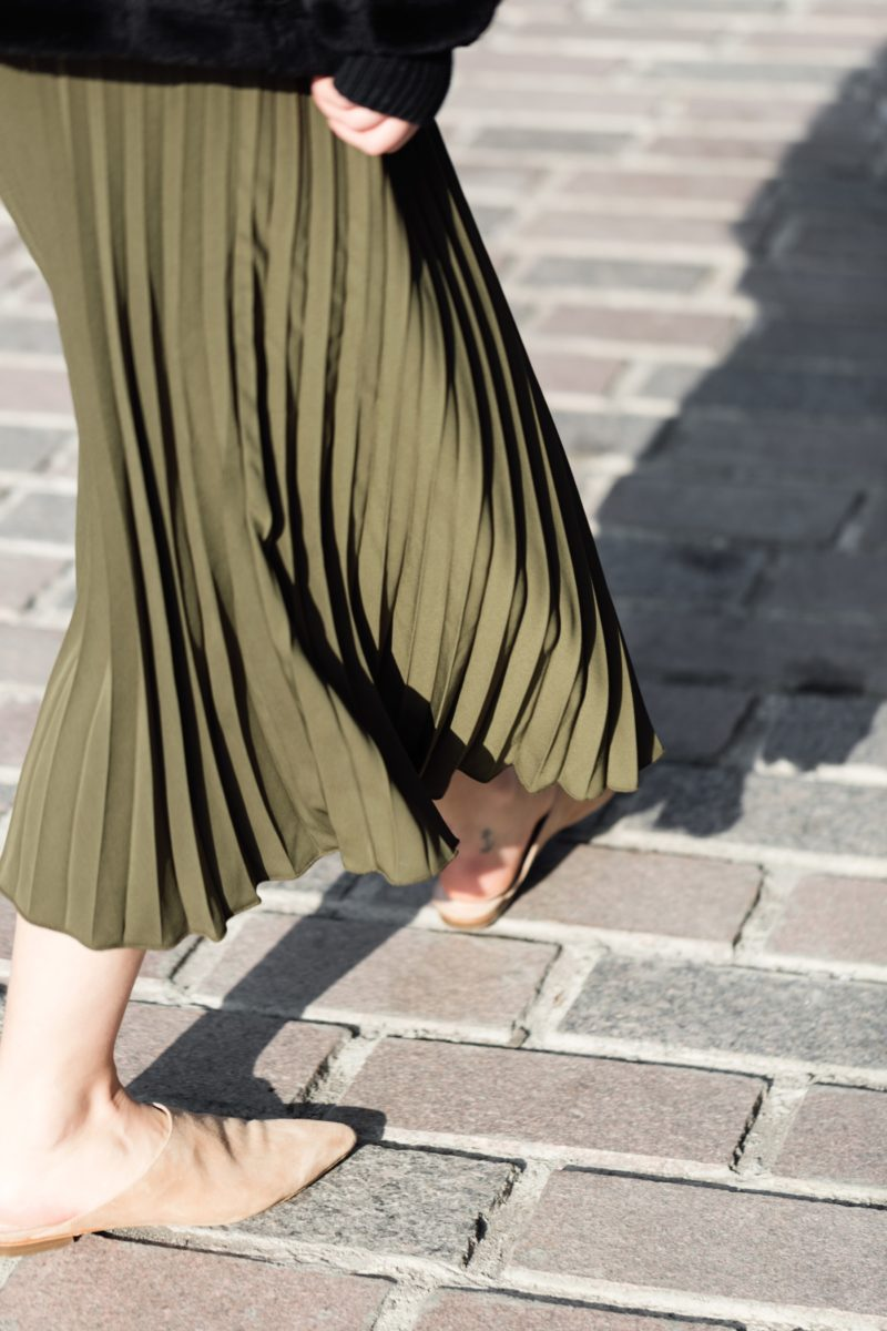 pleated-skirt-with-raye-the-label-shoes